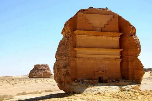 STAR GATES: Saudi Arabia-  Mahda'in Saleah. WHERE IS THE REST OF THE CITY???? WHAT HAPPENED???