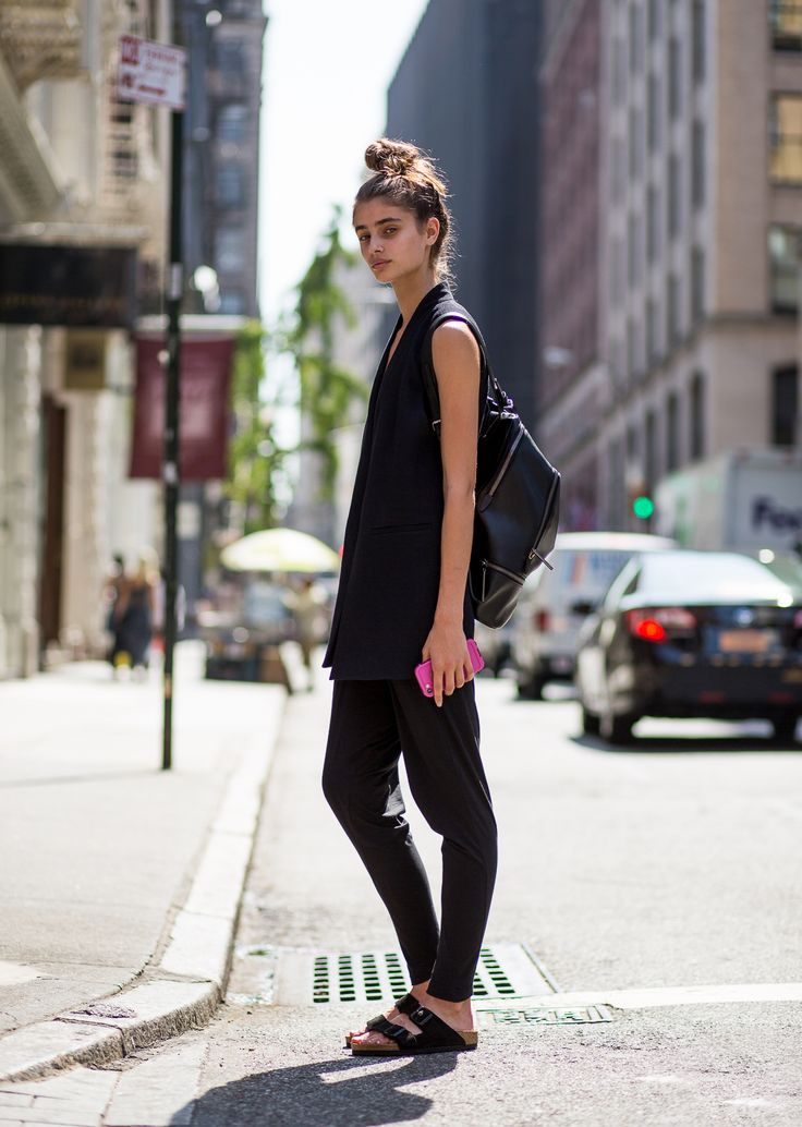 #TaylorHill getting back to black #offduty in NYC.