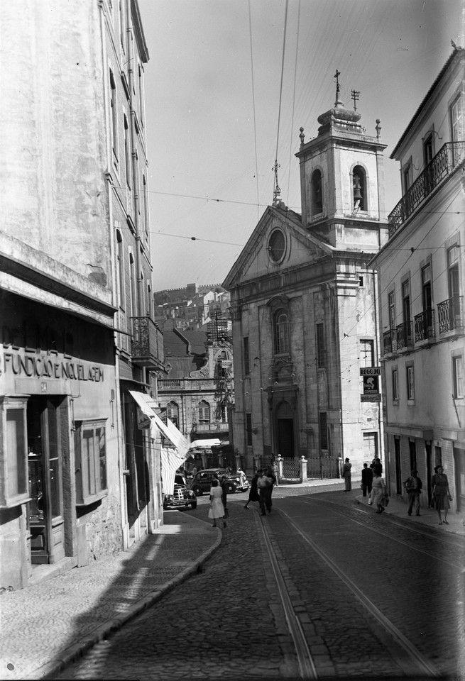 Rua de São Lázaro e Igreja do Socorro antes das demolições, foto de Eduardo Portugal, in a.f. C.M.L.