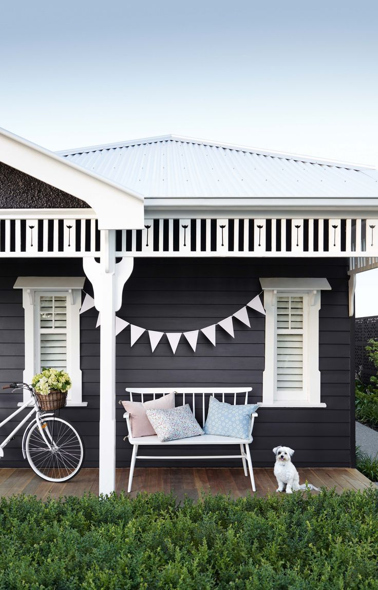 love the black elevation with Haymes Paint.