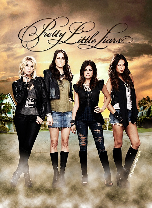 Ashley Benson (Hanna) , Troian Bellisario (Spencer) , Lucy Hale (Aria) , & Shay Mitchell (Emily) - Pretty Little Liars
