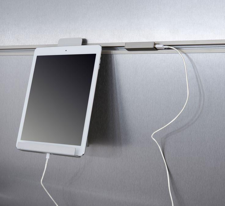 die besten 25 usb ladestation ideen auf pinterest laptop organizer schreibtisch f r laptop. Black Bedroom Furniture Sets. Home Design Ideas