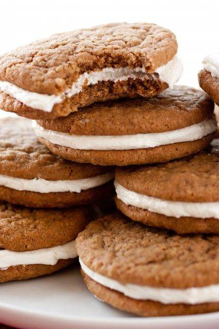 homemade little debbie oatmeal cream pies - so much healthier than the store bought variety and taste AMAZING!