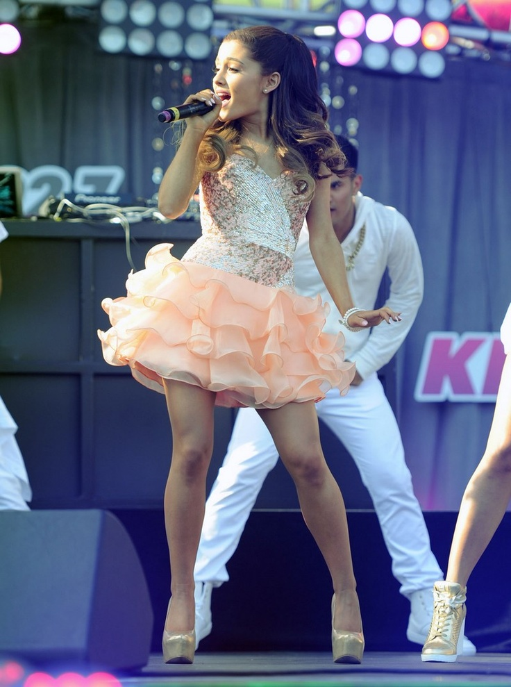 Ariana Grande - KIIS Wango Tango 2013  LLLLLLLLUUUUUUUVVVVVVV   Her omg she is so cute and besides I love that dress like she can pull off any kids and any color of dress