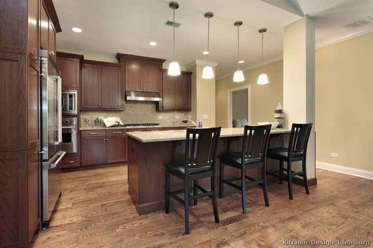 Oak Floors with dark walnut kitchen (no color variation) Love the ...