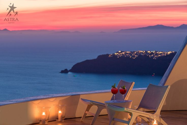 As twilight falls upon Astra Suites, the synergy of sea, sky and the glow of distant villages, create a magical ambience of sublime serenity…