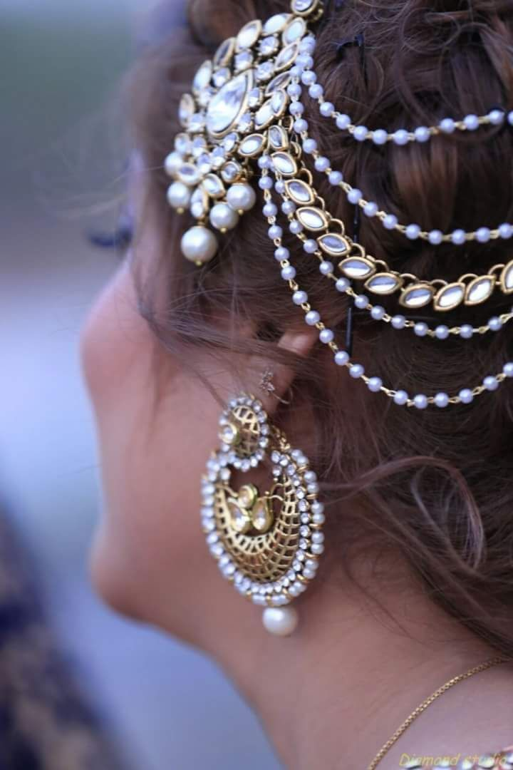 Jhumar Pattern Stone And Pearl Studded Mangtikka                                                                                                                                                                                 More