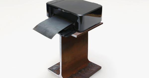 Si bien la impresión en 3D ha existido durante décadas se ha mantenido en gran medida en el dominio de los aficionados y diseñadores que producen prototipos únicos. Y la impresión de objetos con algo más que plástico en particular metal ha sido costoso y dolorosamente lento.  Ahora sin embargo se está volviendo barato y lo suficientemente fácil como para ser una forma potencialmente práctica de fabricar piezas. Si se adopta ampliamente podría cambiar la forma en que producimos en serie…