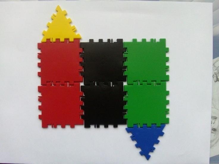 Desarrollo plano del prisma de base triangular (polydron)