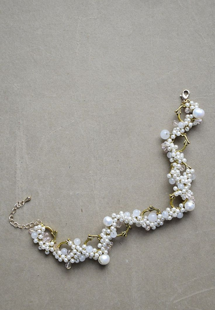 bridal bracelet with fresh water pearls