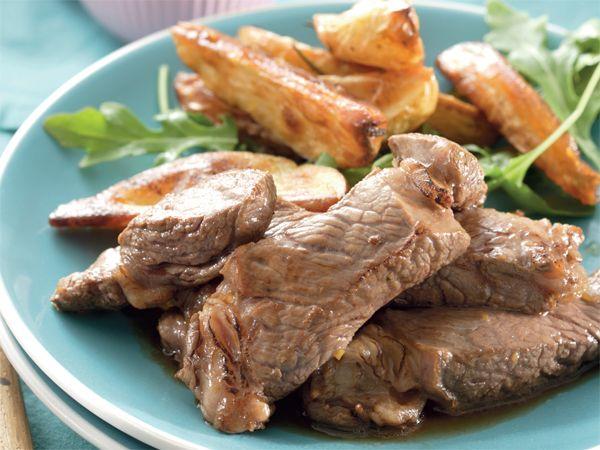 Steak met romerige sampioensous