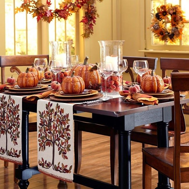 112 best holiday dining decor inspired entertaining for Kitchen table decoration ideas
