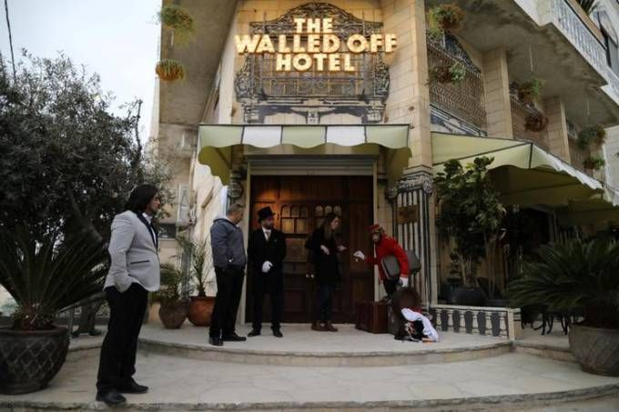 Hotel do artista Banksy em Belém