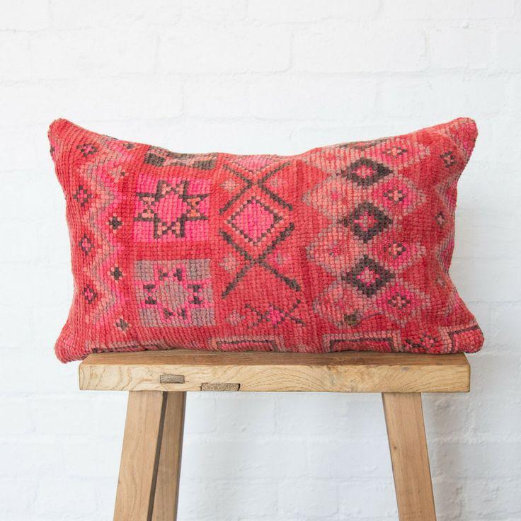 STARRY EYES Boujad cushion