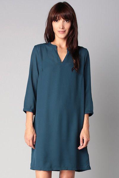 les 25 meilleures id es de la cat gorie robe bleu canard sur pinterest 8e ann e robes grad. Black Bedroom Furniture Sets. Home Design Ideas