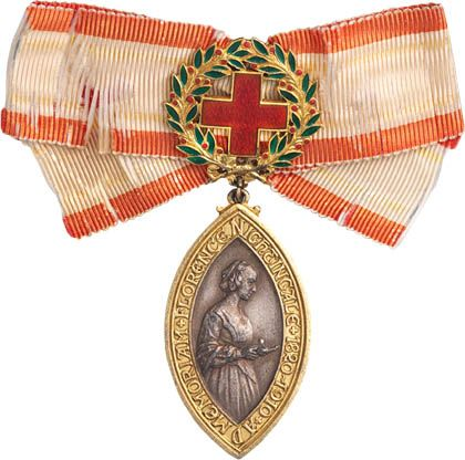 Florence Nightingale Memorial Medal, presented to Helen G. McArthur (English medal presented to Canadian director of Red Cross)