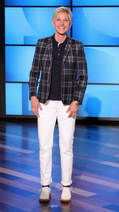 Custom made blazer, Thom Browne Navy polo, Levi's denim, Celine shoes. I could never pull this off, but I love Ellen's style.