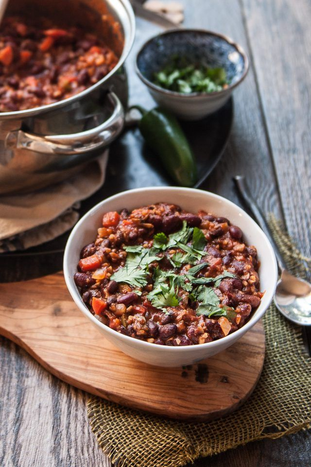 The Best Vegan Chili Recipe! A recipe so delicious that even your meat eating friends will love it!