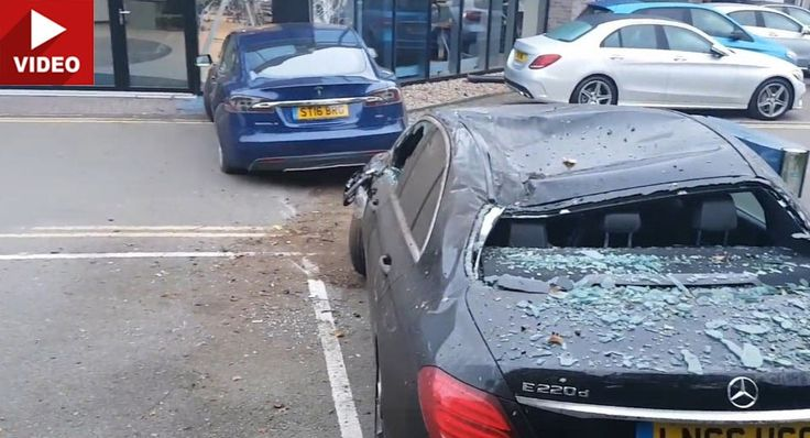 Tesla Model S Jump Lands On E-Class Before Crashing Into Mercedes Dealership #Accidents #Featured