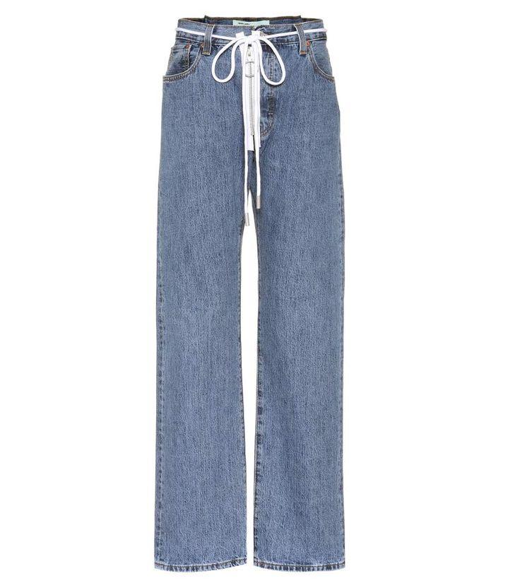 Zipped Levi's blue boyfriend jeans