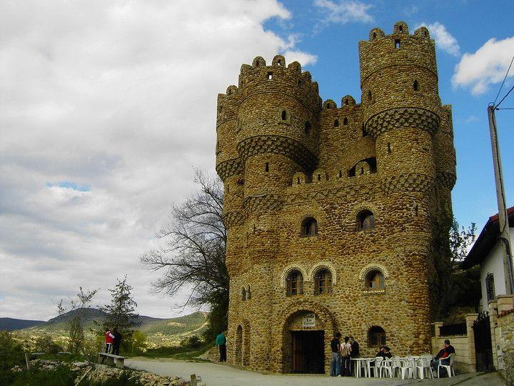 Íncreible obra de arte, Castillo de las Cuevas, Cebolleros (Burgos)