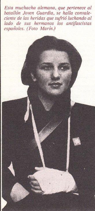 Lini Dunjes, alférez del Batallón de la Jóven Guardia, convaleciente de las heridas sufridas en batalla.