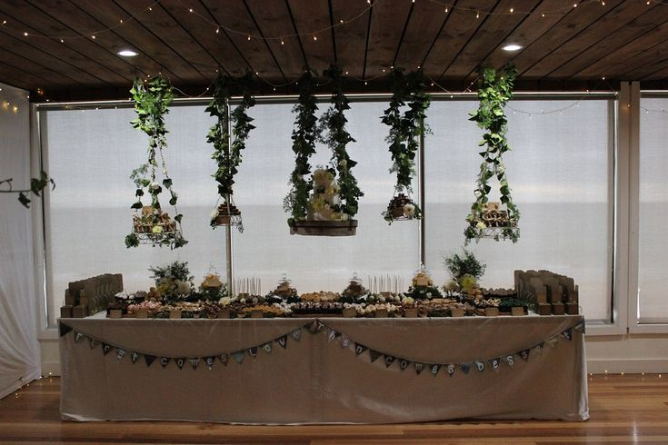 suspended woodland buffet