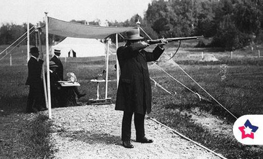 Самым пожилым человеком, завоевавшим Олимпийскую медаль, был Оскар Сван, занявший второе место в соревнованиях по стрельбе на Олимпиаде 1920 года в Швеции. Тогда ему было 72 года.