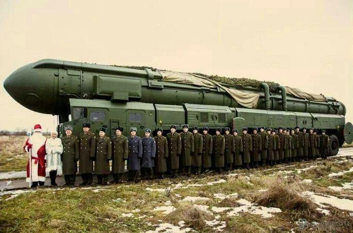 Le vice-premier ministre russe, Dmitri Rogozine est aussi le représentant permanent de son pays auprès de l'Otan. Désireux de souhaiter une merveilleuse année à ses « amis de l'Otan », il a posté sur Twitter une carte de vœux pour le moins provocatrice. Ah ! L'humour militaire...