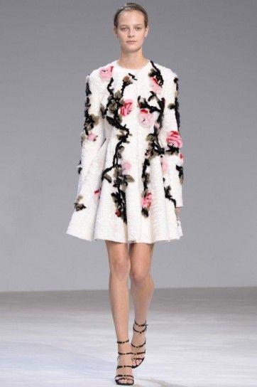Cappottino con fiori Giambattista Valli - Dress coat corto con applicazioni floreali haute couture primavera/estate 2016