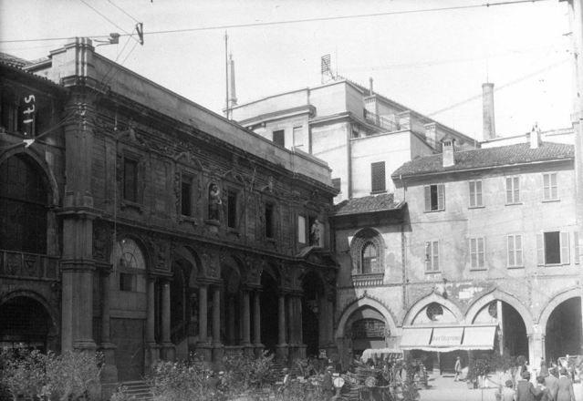 Milano | Piazza Mercanti (1910 ?)