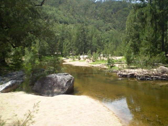 Coxs River & Old Ford Reserve, Megalong Valley. A lovely spot for a picnic and some swimming.