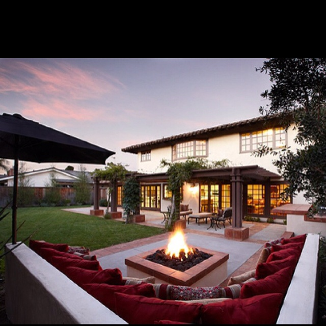 Beautifully decorated outdoor space!: Gardens Ideas, Dreams Home, Dreams Houses, Backyard Patio, Outdoor Living, Firepit, Outdoor Spaces, Exterior Home, Fire Pit