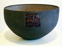 zwarte vorm raku