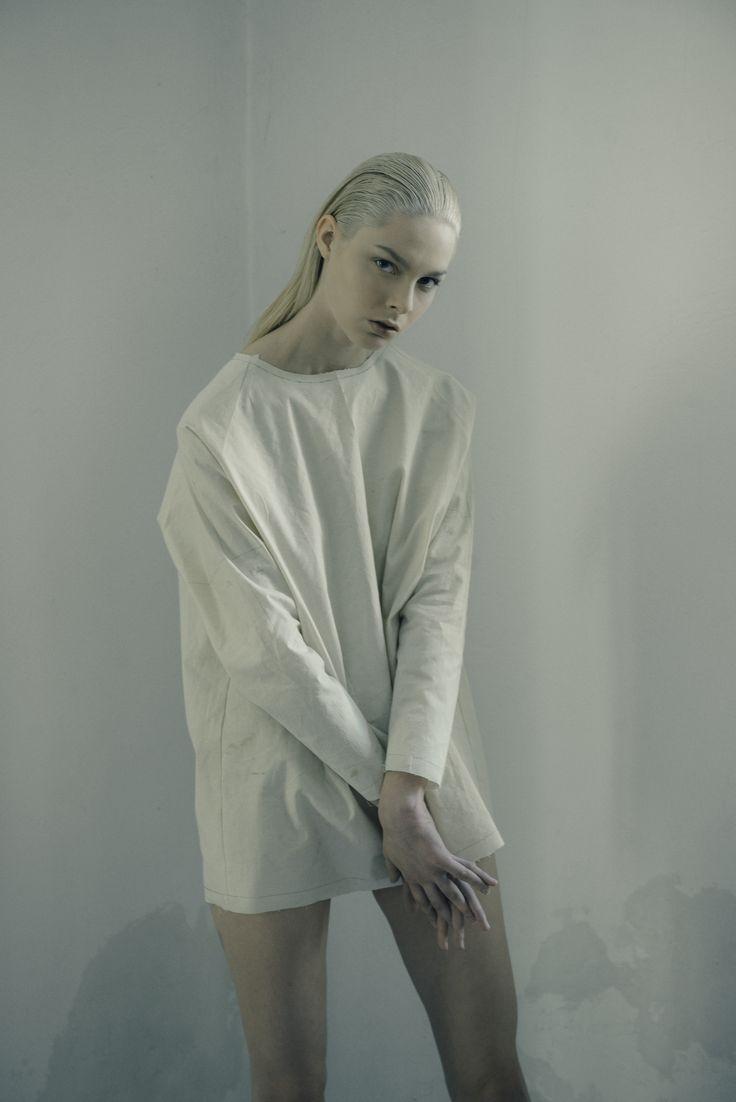 SPRING | SUMMER 2018 New young energetic team with Palatella Styling Stefania Mosca Model Greta Hair / Make Up Francesco D'Agostino Photo©Andrea Balza