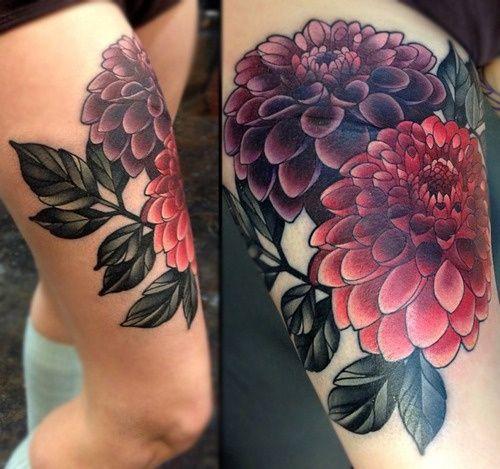 Beautiful chrysanthemum thigh piece