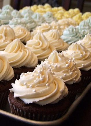 How to Make Your Own Wedding Cupcakes