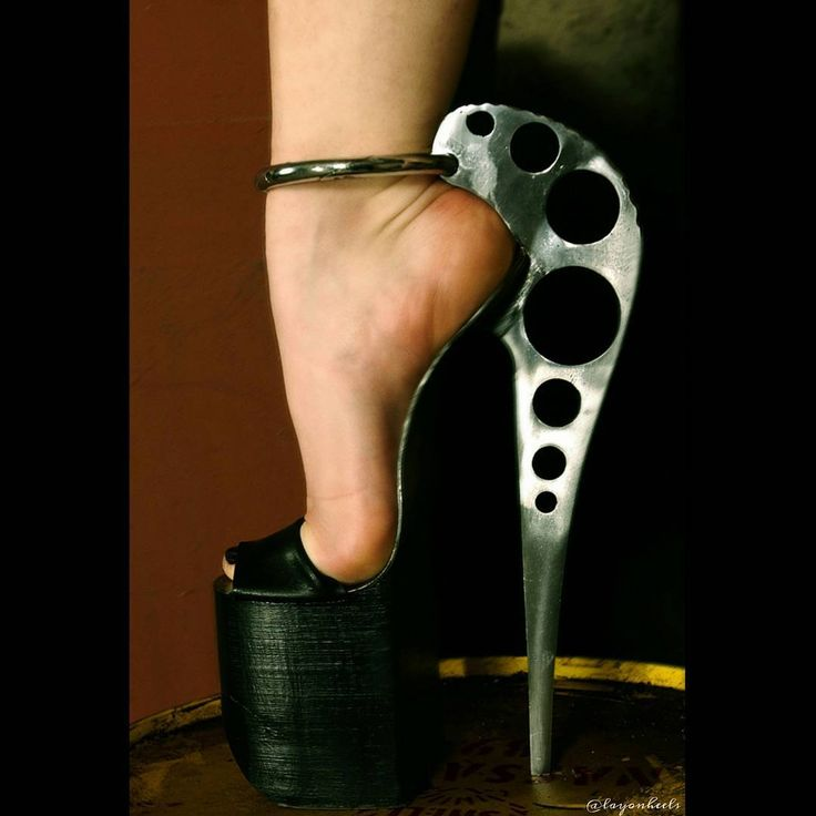 #feetfair #highheels #slave #barefoot #heels #layonheels #toes #footjob #foot #feet #mistress #ladys #soles #videofeet #footmodel #nylon #lengs #sexy #pretty #shoes #pies #fetichista #fetich #latex #mature #domination #stockings #panties #arches #goddess  #arches