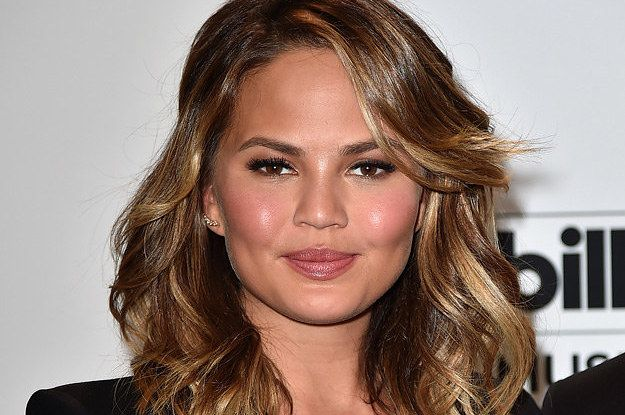 25 Times Chrissy Teigen Completely Owned Twitter In 2015  http://www.buzzfeed.com/jasminnahar/chrissy-teigen-completely-owned-twitter-in-2015?utm_term=.pnbNKGJPkW  ❤️❤️❤️#chrissyteigan is just so awesome for so many reasons, including being open about her fertility struggles which I can relate to with all my heart. Read this and I'm sure you'll like her even more