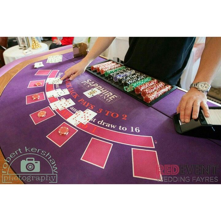 Come and have some fun with your bridal party at our Wedding Fayre this SUNDAY 28TH JANUARY on 🎲 @sapphire_occasions 🎲 fun casino. They will be exhibiting at the Macdonald Craxton Wood Hotel & Spa in Chester! ♠🎲🃏 www.redeventweddingfayres.com