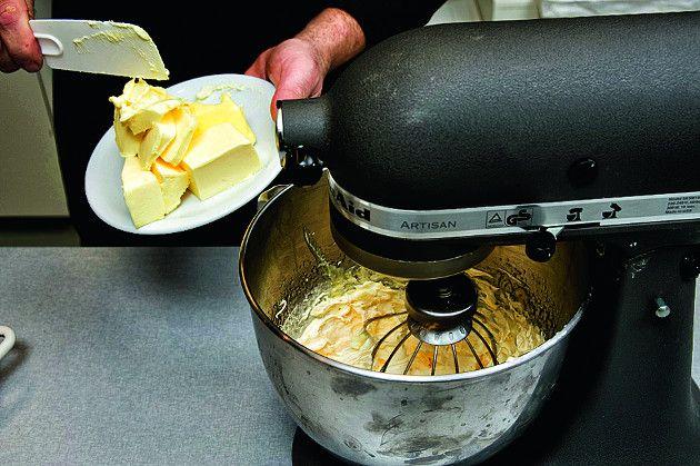 Η κρέμα αυτή χρησιμοποιείται ως γέμιση σε γλυκά και τούρτες αλλά και ως επικάλυψη ή διακόσμηση.