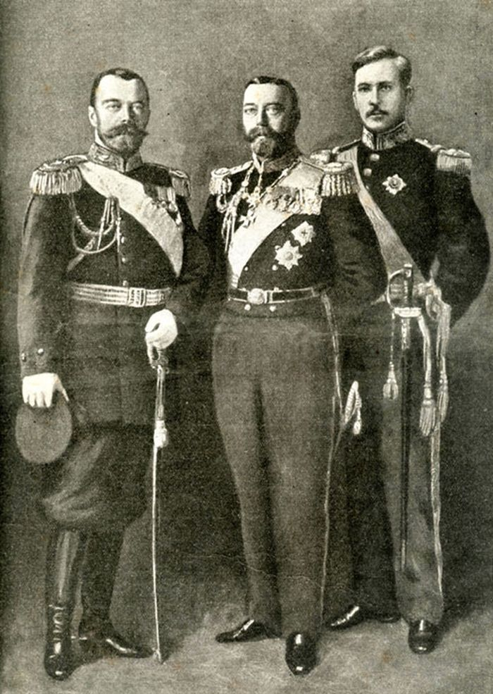 Интересные факты о Российской Империи , Император Николай Второй приходился двоюродным братом императору Британской империи Георгу Пятому.