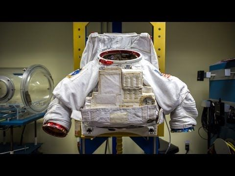 ▶ How Astronauts Put on Space Suits - YouTube