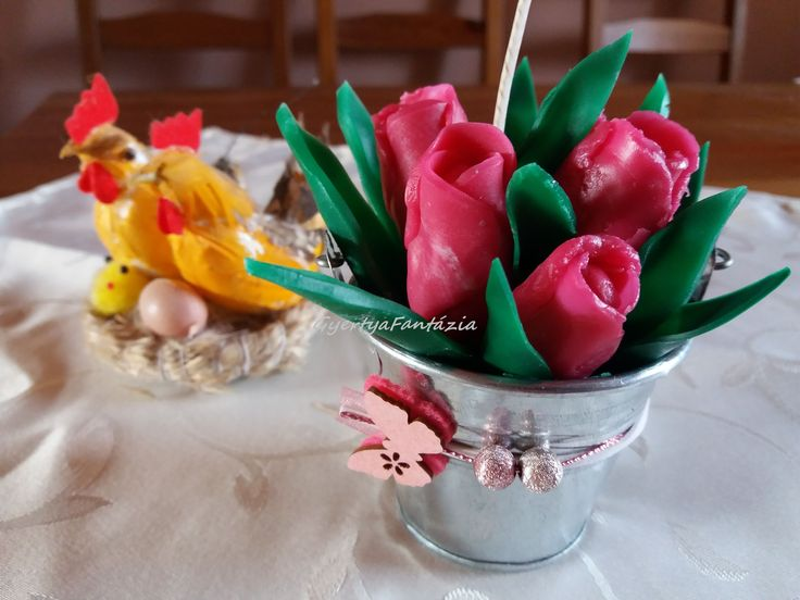 Easter tulip candle