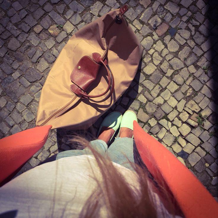 Off to the airport! More on www.prachtseite.de  #longchamp  #weekender #kiwisainttropez #denim #missselfridge #fashion #blog #blogger #whatiwear #wiw #ootd #picoftheday #prachtseite