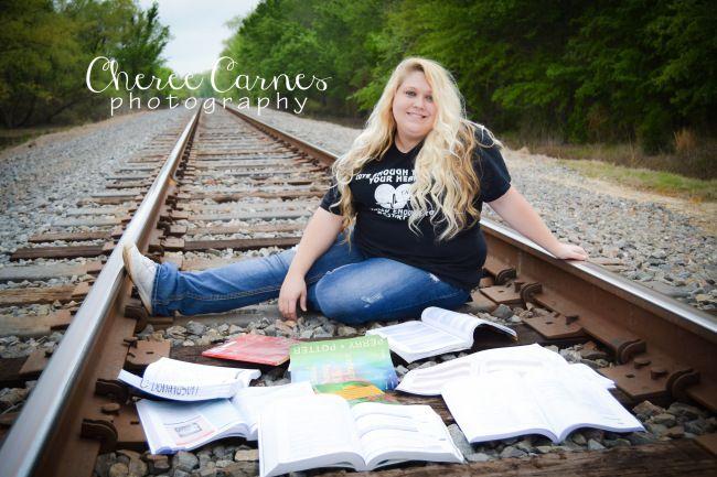 Cheree Carnes Photography RN graduate nurse graduation senior registered nurse photo session college