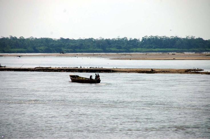El río Magdalena, la arteria hídrica del país, en su paso por el Puerto Petrolero. (Archivo/VANGUARDIA LIBERAL)