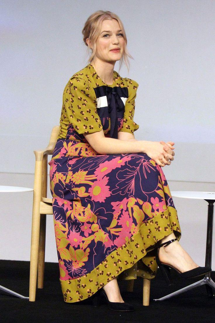 "Alison Sudol - Meet The Filmmaker: ""Fantastic Beasts And Where to Find Them"" - Roksanda"