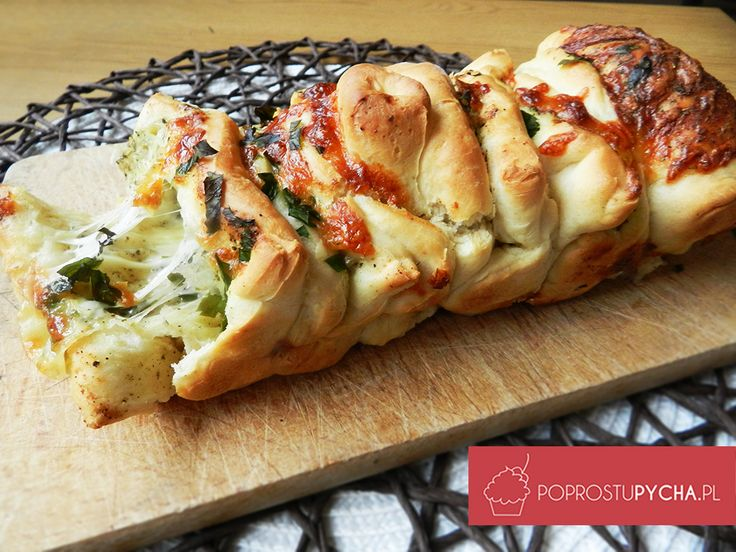 Polecam pyszny, aromatyczny odrywany chlebek :) Komu kawałek???