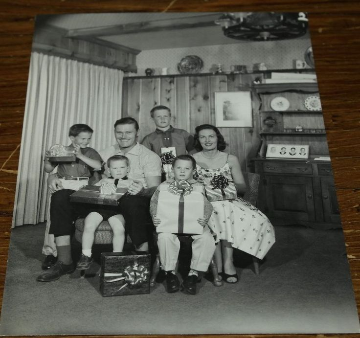 Chuck Connors Personally Owned Family Press Kit Photo